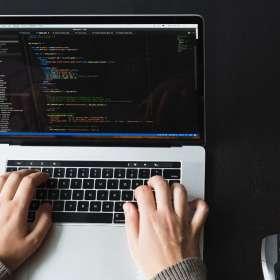 Salaire moyen de développeur web par langage de programmation